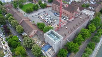 Die ersten Mieter sollen im nächsten Sommer im sanierten Kasernenhauptbau einziehen.