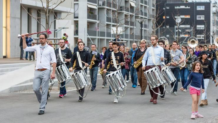 Vergangenen Montag probten die Musiker die Marschmusik beim Schulhaus Reitmen.