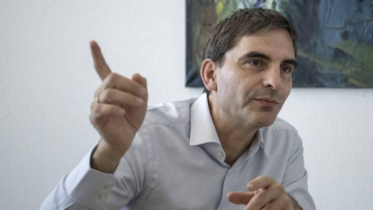 Aymo Brunetti arbeitete früher für Johann Schneider-Ammann – und lobt ihn, weil dieser «nicht zu viel» machte.
