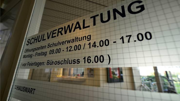 Schulverwaltung im Schulhaus IV: Die Organisation der Schule gibt weiter zu diskutieren.