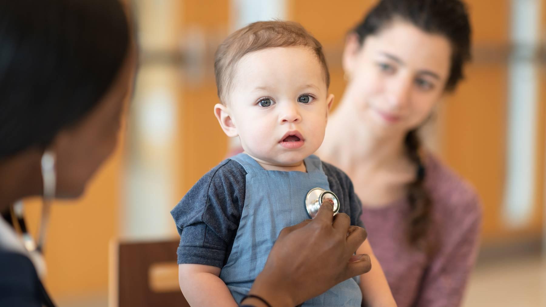 Das RS-Virus führt zu Atemwegsproblemen bei Kleinkindern. (Symbolbild)
