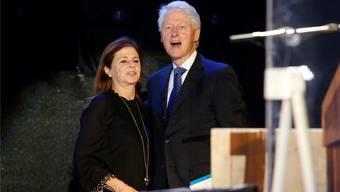 Ex-US-Präsident Bill Clinton war eigens auf Einladung von Dalia Rabin, der Tochter des ermordeten Premierministers, nach Isreal gekommen.