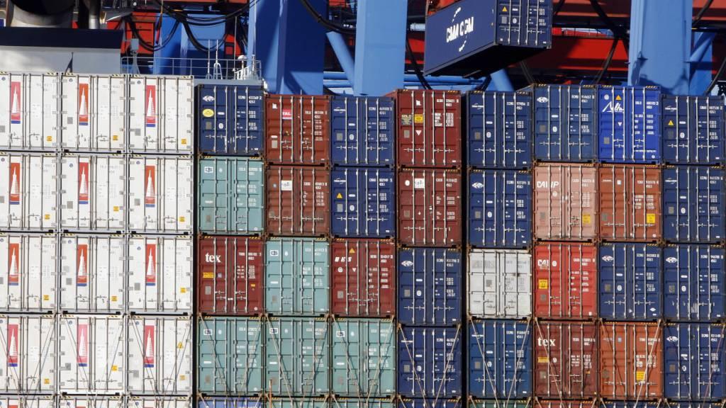 Chinas Aussenhandel wächst unerwartet stark