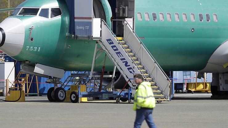 Ein US-Expertengremium braucht laut offiziellen Angaben vom Freitag offenbar mehr Zeit für die Meinungsfindung zur Wiederzulassung des Boeing-737-Max-Unglücksfliegers als ursprünglich angenommen worden war. (Archivbild)