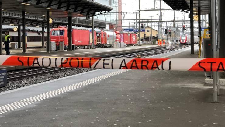 Teile des Bahnhofs Aarau wurden von der Polizei abgesperrt.