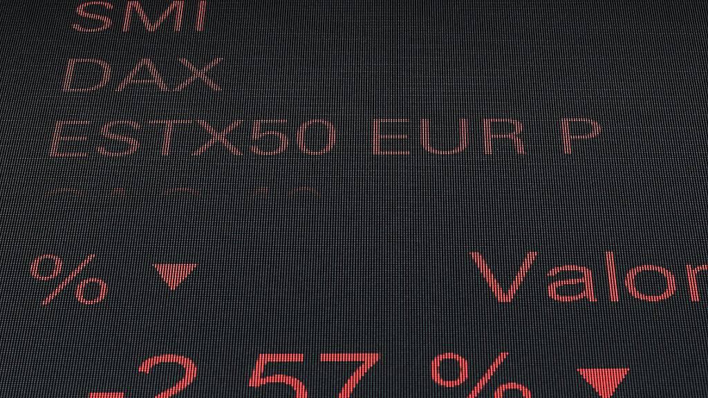 Auf den Börsentafeln dominiert zur Wochenmitte die Farbe rot. (Archivbild)
