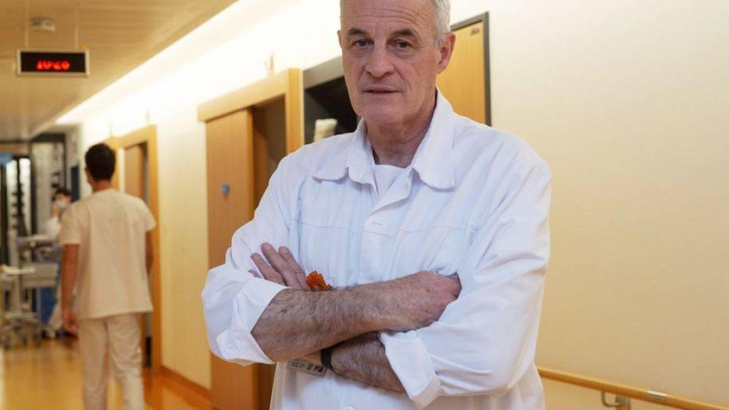 Professor Didier Pittet, Leiter des Infektionskontrolle-Programms am Unispital Genf und verantwortlich für das WHO-Programm «Saubere Pflege ist sicherere Pflege» (Clean Care is Safer Care). Er hat die mittlerweile weltweit verbreitete hydroalkoholische Händedesinfektionslösung erfunden.