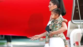 Kleine Geschenke ist nicht ihr Ding: Selfmade-Milliardärin Kylie Jenner hat ihrer Tochter Stormi zweistöckiges Haus geschenkt.