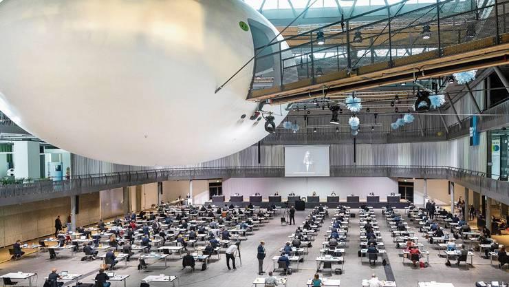 Mit 128 zu 1 Stimmen und einer Enthaltung hat das Parlament die Standesinitiative nach Bern geschickt.