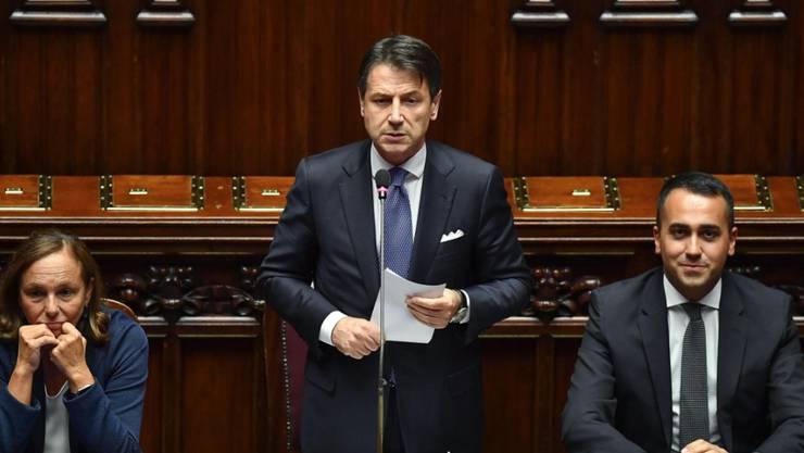 Italiens Premierminister Giuseppe Conte (Mitte), Innenministerin Luciana Lamorgese (l.) und Aussenminister Luigi Di Maio.