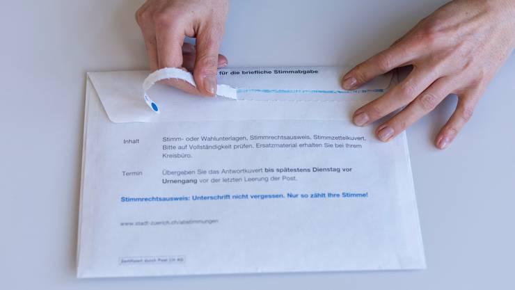 Eine Mehrheit im Berner Parlament will das Stimmrechtsalter auf Kantons- und Gemeindeebene von 18 auf 16 Jahren senken. (Symbolbild)