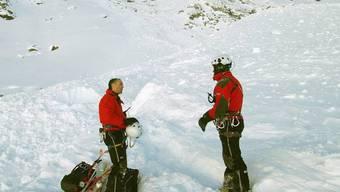 Rettungskräfte im Wallis (Archivbild: Kantonspolizei Wallis)