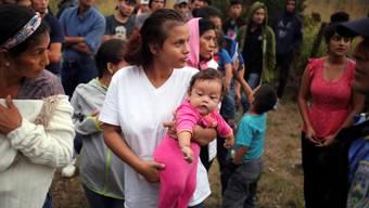 Rund 3000 Mittelamerikanerinnen und Mittelamerikaner haben sich zusammen auf den Weg in Richtung US-Grenze gemacht. (Archivbild)
