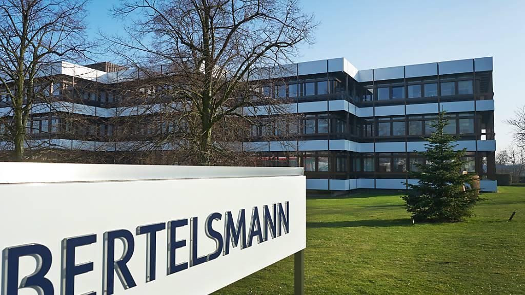Der Medienkonzern Bertelsmann büsst im ersten Halbjahr klar an Umsatz und Gewinn ein. Vor allem die RTL Group leidet unter dem Einbruch am Werbemarkt.(Archivbild)