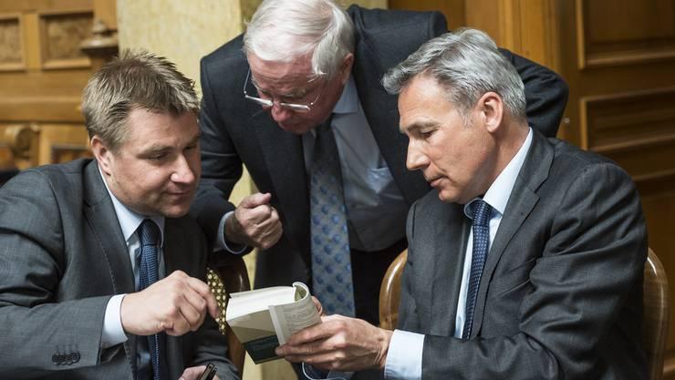 Die SVP-Führung muss sich für eine Projekt entscheiden (v.l.): Parteichef Toni Brunner, Vizepräsident Christoph Blocher und Fraktionschef Adrian Amstutz.