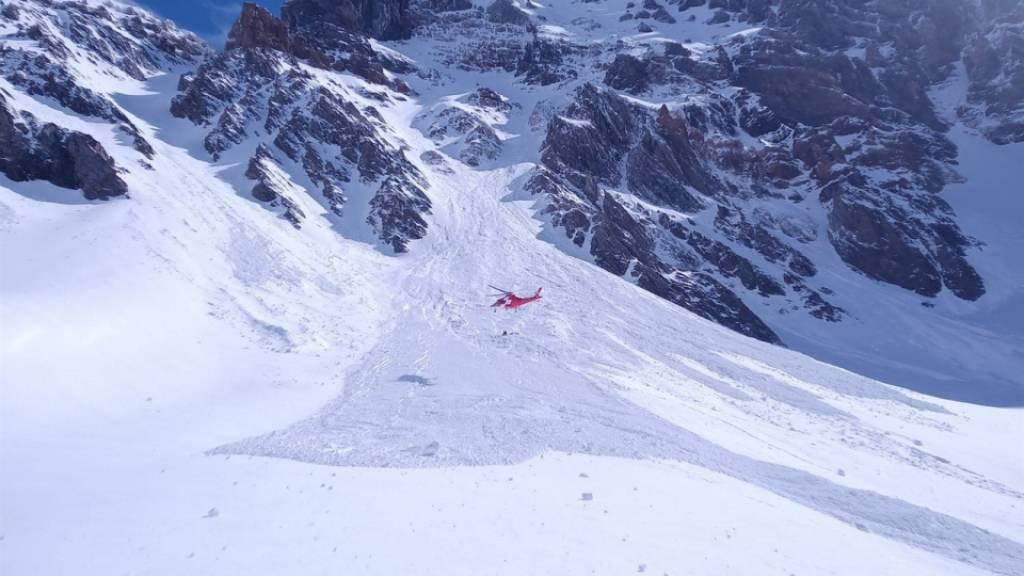 Zwei Alpinisten sterben in Lawine am Piz Russein GR