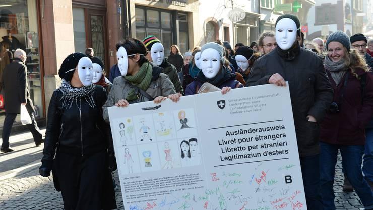 Die Aktivisten forderten 2016 in einer Kampagne, dass neun Sans-Papiers regularisiert werden. Sie leben seit mehr als zehn Jahren in Basel.