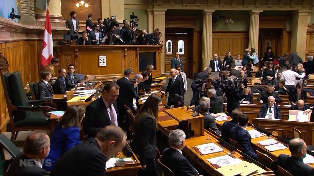 Sitzungsgeld für sitzungsfreie Zeit: Was ist dran an dieser angeblichen Politiker-Forderung?