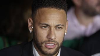 Der brasilianische Fussballstar Neymar ist nach Vergewaltigungsvorwürfen gegen ihn am Donnerstag erneut von der brasilianischen Polizei vernommen worden.