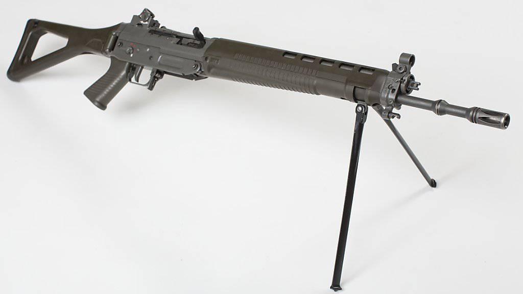 Das Sturmgewehr SG 550 alias Sturmgewehr 90 ist Teil der persönlichen Ausrüstung vieler Schweizer Soldaten.