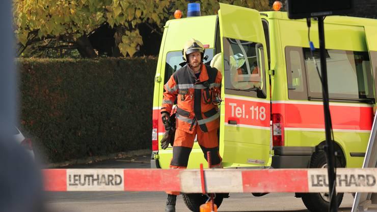 Die Feuerwehr Weiningen war mit 30 Feuerwehrleuten im Einsatz. (Themenbild)