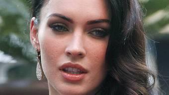 Megan Fox wehrt sich gegen Kürzungen im Bildungssystem
