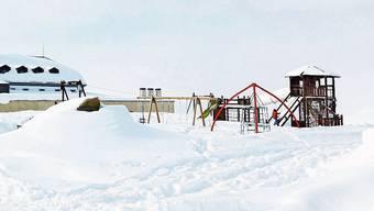 Muottas Muragl: Hier lässt es sich auf 2456 Metern über Meer gratis spielen. Und wer fällt, fällt weich.