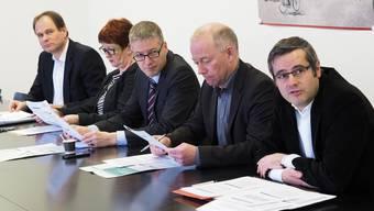 Der Oltner Stadtrat: v.l. Peter Schafer, Iris Schelbert-Widmer, Thomas Marbet, Martin Wey und Benvenuto Savoldelli.