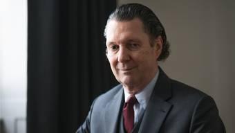 «Wenn man die Welt realistisch beschreibt, wird es sofort kritisch»: Martin Suter (68).Mario Heller