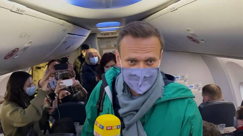 Alexej Nawalny fliegt zurück nach Russland