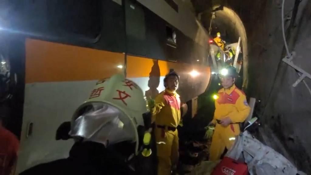 Taiwan: Dutzende Tote bei Zugunglück befürchtet