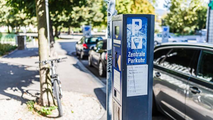Parkieren in Solothurn - neu wird dabei auch bargeldlos bezahlt