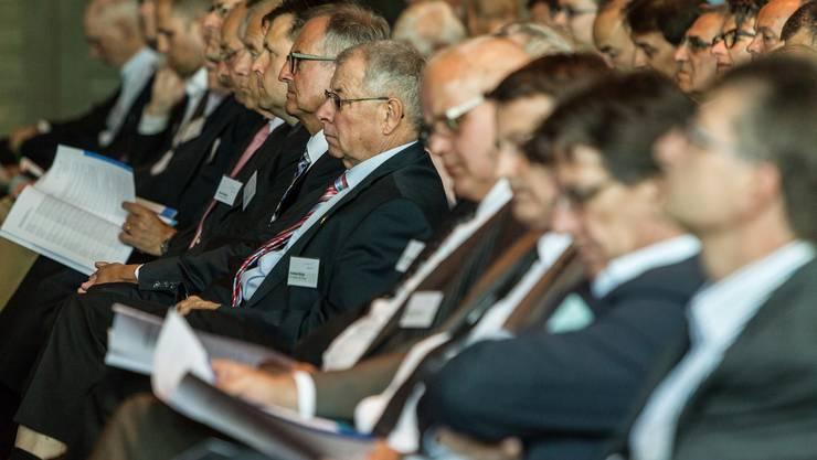 Die Generalversammlung der AIHK (im Bild) und der Neujahrsapéro des Gewerbeverbandes sind jeweils ein «who is who» der aargauischen Wirtschaft und vorab bürgerlicher Politiker.