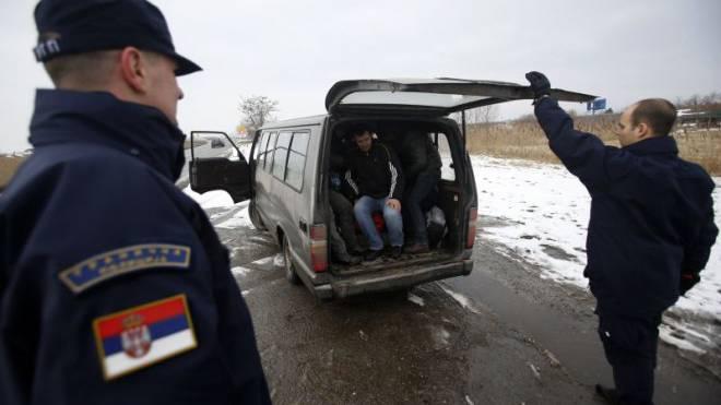 Der Exodus aus dem Kosovo ist ausser Kontrolle geraten. Bisher scheint die Schweiz aber nicht betroffen. Foto: Keystone