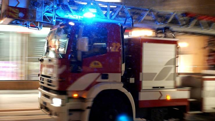 Ein Mehrfamilienhaus brannte in der St. Jakob-Strasse. Die Ursache ist noch unklar.