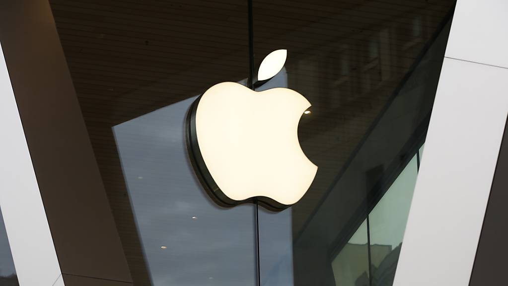 Apple fordert dank Chips aus eigener Entwicklung die PC-Konkurrenz mit einem neuem iMac heraus. Der neue Desktop-Computer ist nur 11,5 Millimeter dick - dünner als viele Monitore ohne einen Computer im Inneren. (Archivbild)