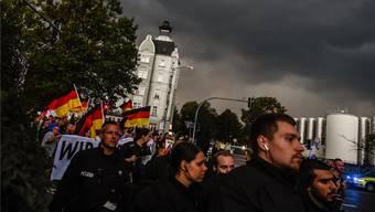 Die Bewegung «Pro Chemnitz» marschiert: In Sachsen gehen die Demonstrationen weiter. Keystone