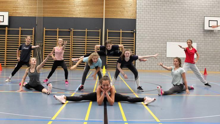 Die Jugend-Wettkampf-Gruppe des TV Weiningen ist bereit für den Wettkampf.