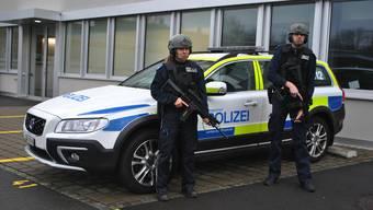Die Regionalpolizei hat im vergangenen Jahr Sturmgewehre und schwere Schutzwesten angeschafft.
