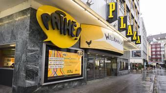 """Noch heisst es: """"Willkommen im Plaza"""", bald ist das Pathé-Kino in der Steinenvorstadt Geschichte."""