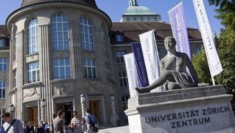 Studenten an der Universität Zürich (Archiv)