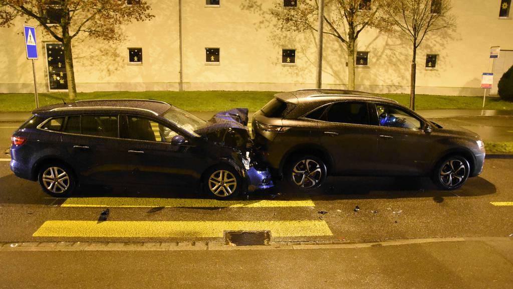 Zu spät gebremst: Fussgängerin (80) nach Crash schwer verletzt