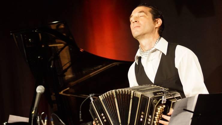 Pure Leidenschaft - Bandoneonist Luciano Jungman.