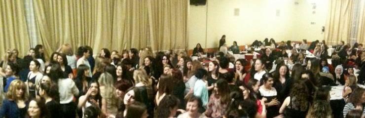 Circa 300 Frauen belebten den Saal. Gelacht und getanzt wurde viel.