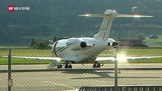 Der libysche Jet wartet auf seine Passagiere. (Screenshot SF)