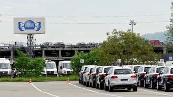In Lupfig befindet sich das Amag-Auslieferungszentrum. Hier werden alle Neuwagen angeliefert, verzollt und auf Mängel überprüft, bevor sie an die Händler ausgeliefert werden. (Archiv)