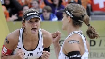 Simone Kuhn (l.) und Nadine Zumkehr spielen am Sonntag um Platz 3.