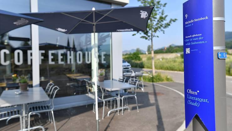 Einer der neusten Literathek-Standorte mit der Autorin Michelle Steinbeck befindet sich beim Coffeehouse Bloomell.