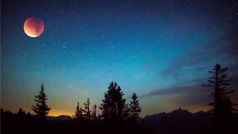 Mondfinsternis über dem Hinterland von Salzburg am 28. September 2015.