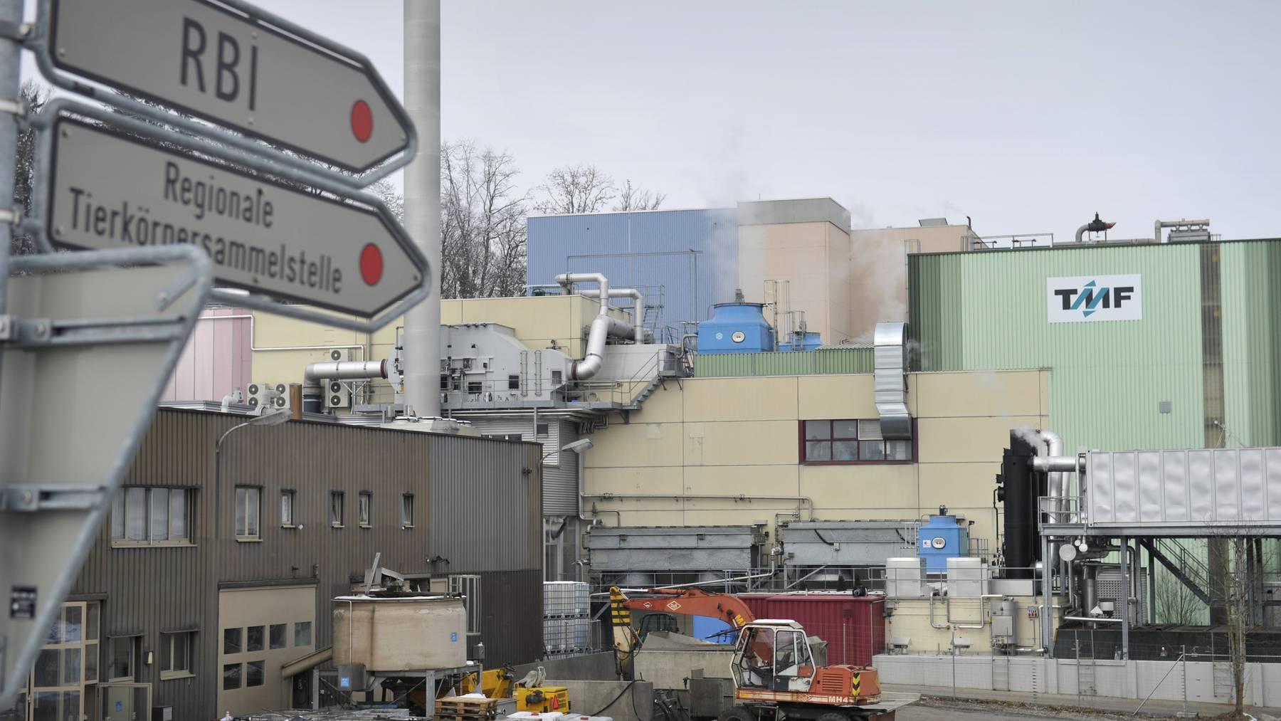 Die Tiermehlfabrik Bazenheid kann als einzige Fabrik in der Umgebung infizierte Tiere fachgerecht entsorgen. (Archiv)